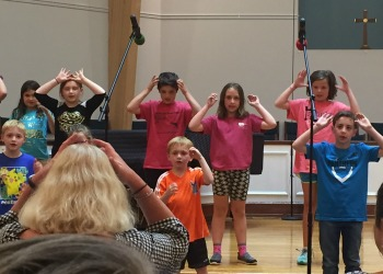 Woodhaven children singing